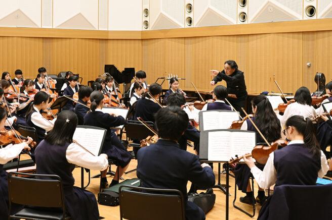 オーケストラ授業風景